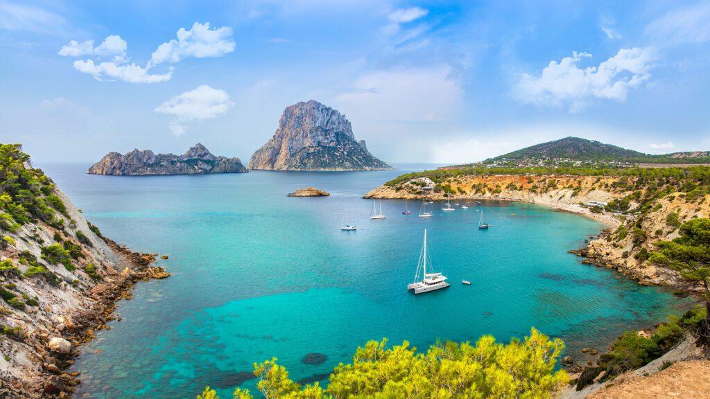 Ibiza vakantie kustlijn